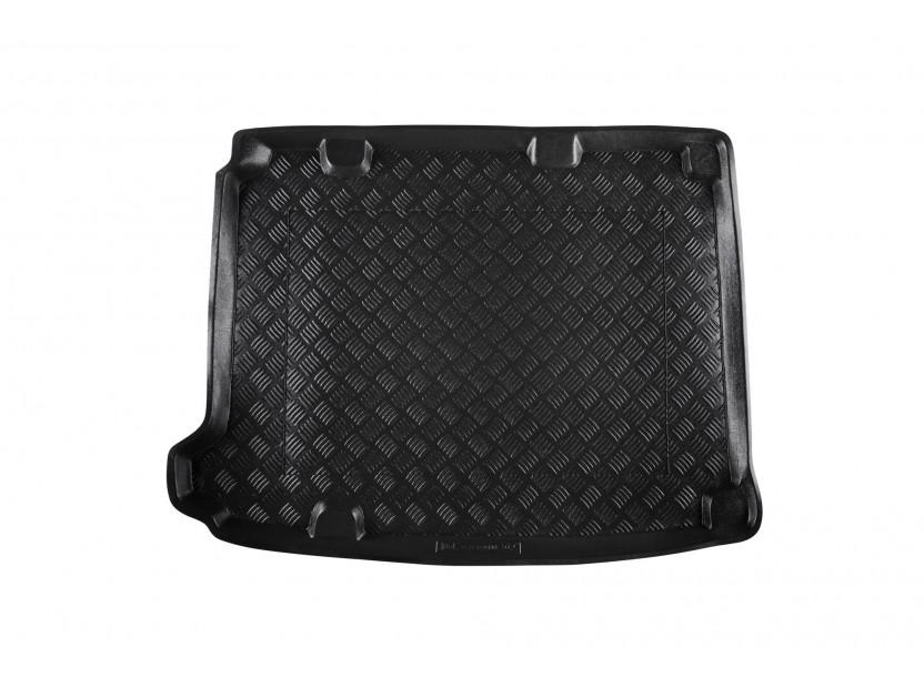 Полиетиленова стелка за багажник Rezaw-Plast съвместима със Citroen DS4 хечбек 2011-2015 с 5 врати, със субуфер