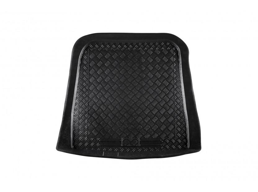 Полиетиленова стелка за багажник Rezaw-Plast за Volkswagen Polo класик 1995-1997 /Seat Cordoba 1993-1999 седан