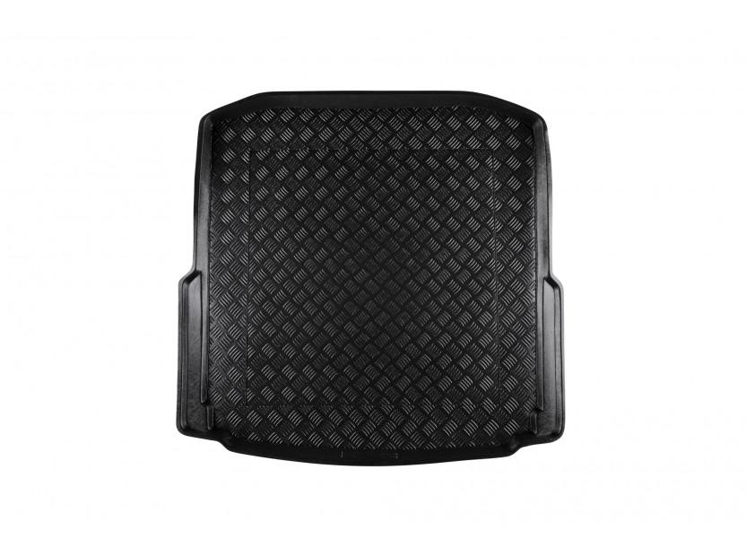 Полиетиленова стелка за багажник Rezaw-Plast за Skoda Octavia III хечбек след 2013 година