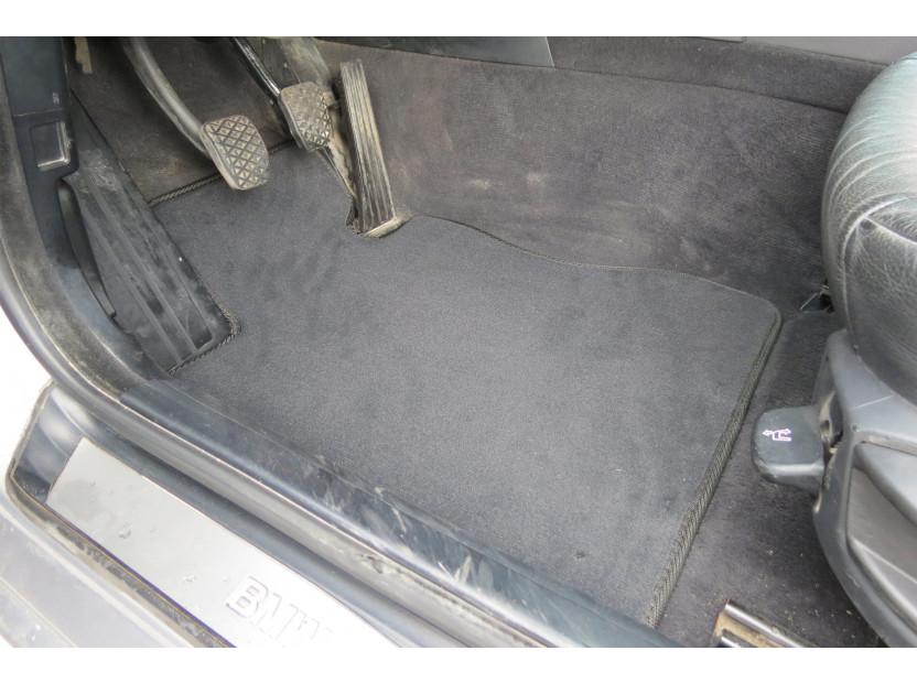 Мокетни стелки Petex съвместими с BMW серия 5 E39 седан, комби 1995-2003, 4 части, черни, материя Style, захват B208 2