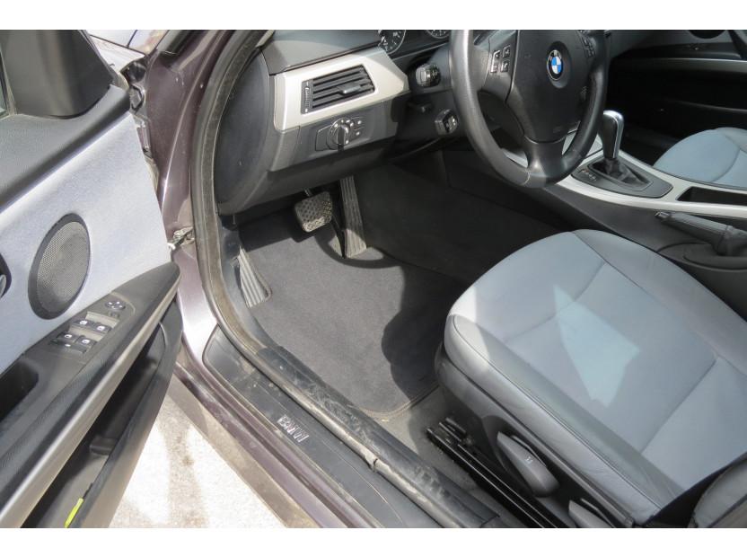Мокетни стелки Petex съвместими с BMW серия 3 E90 седан, E91 комби 2005-2012, 4 части, черни, материя Style, захват B172 2