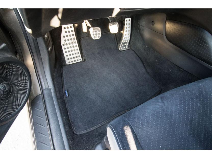 Мокетени стелки Petex за Honda Civic 5 врати с големи задни стелки 1/2006-1/2012 4 части черни (KL01) Style материя 2