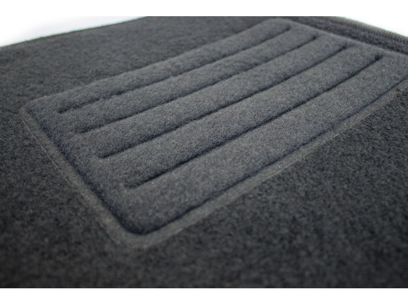 Мокетни стелки Petex съвместими с Toyota Yaris 2005-2011, Urban Cruiser 2009-2016, 3-5 врати, 3 части, черни, материя Rex, захват B162 3