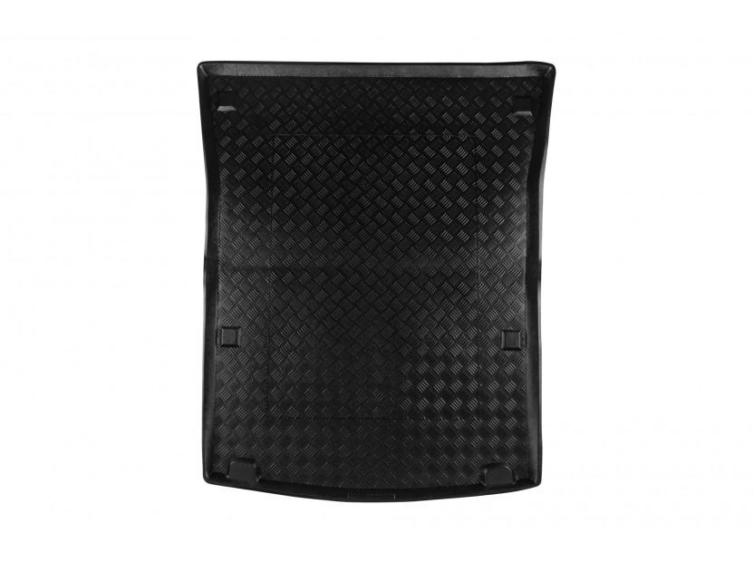 Полиетиленова стелка за багажник Rezaw-Plast съвместима с VW Caddy Maxi 2007-2020 с 5 места