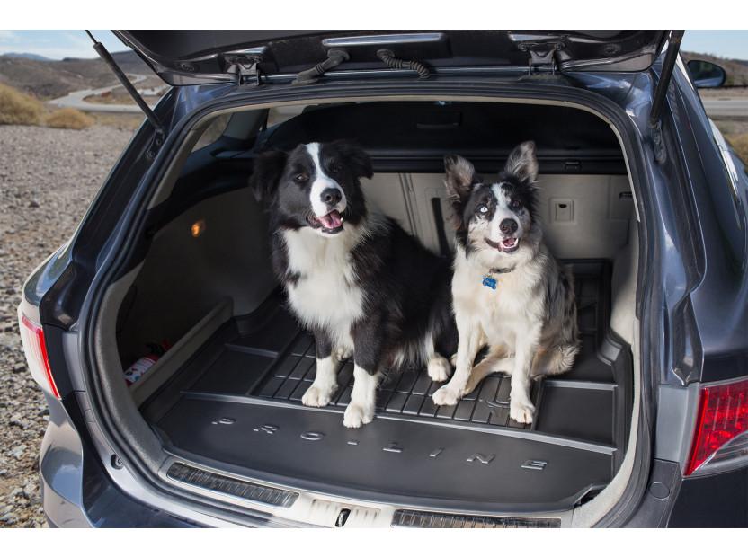 Гумена стелка за багажник Frogum за VW Touran II 2010-2015 4