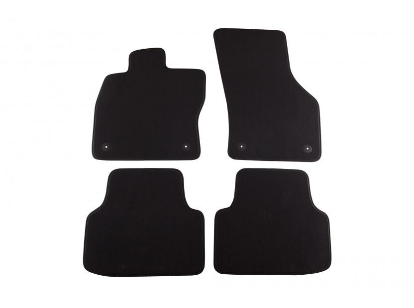 Мокетни стелки Petex съвместими с Skoda Octavia седан, комби 2013-2020, 4 части, черни, материя Style, захват B01A4