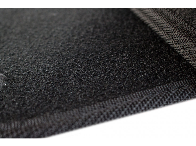 Мокетни стелки Petex съвместими с Volvo S40, V50 2004-2012, C30 2006-2013, 4 части, черни, материя Style, захват B058 3