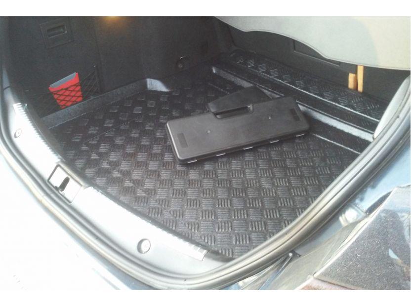 Полиетиленова стелка за багажник Rezaw-Plast за Alfa Romeo 159 комби след 2006 година - 4