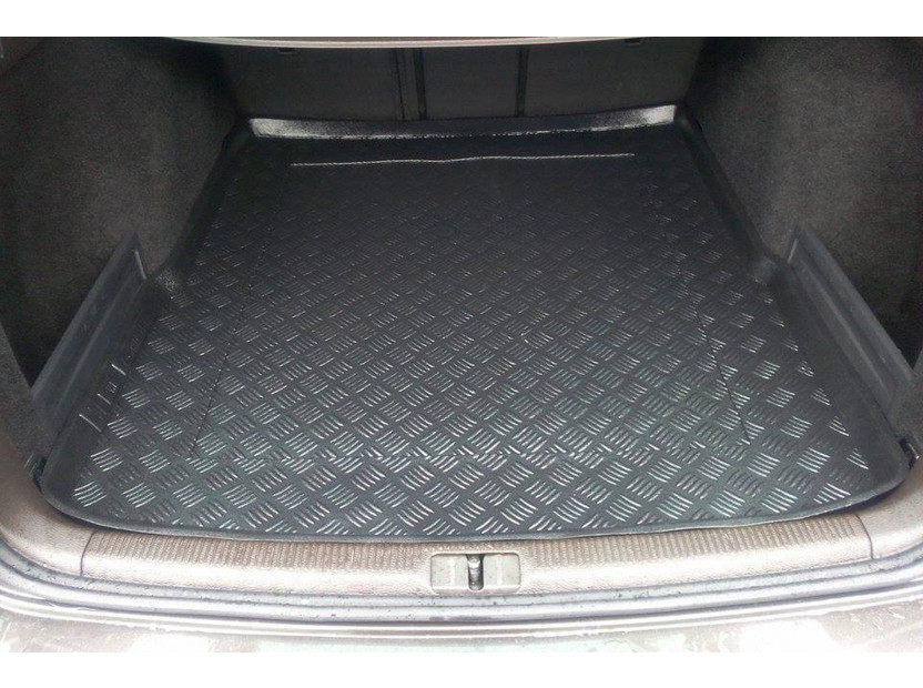 Rezaw-Plast Polyethylene Trunk Mat for Volkswagen Passat station wagon 03/2005-2010/Passat station wagon 2010-2014/Passat Altrack after 2012 4