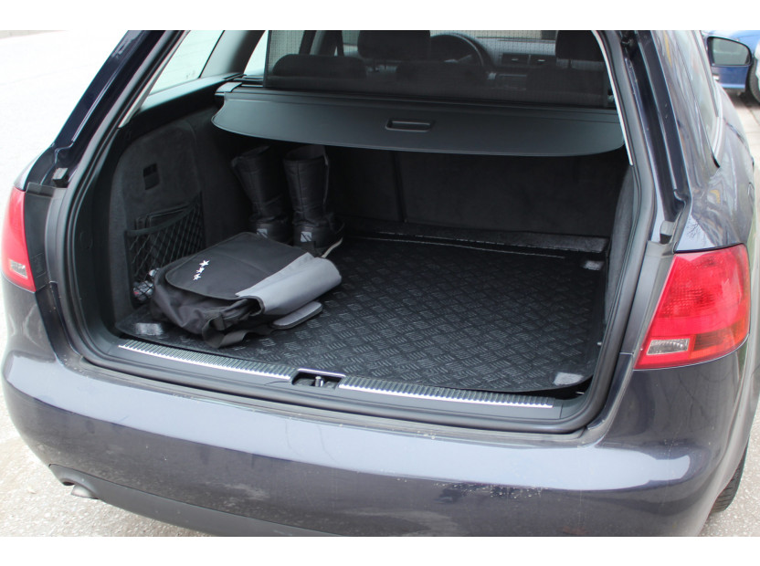 Rezaw-Plast Polyethylene Trunk Mat for Audi A4 station wagon 09/2001-04/2008/Seat Exceo station wagon after 2009 4