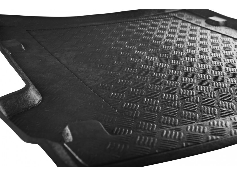 Rezaw-Plast Polyethylene Trunk Mat for Mercedes E class W212 sedan after 2009 with plastic cover behind the rear seats 2